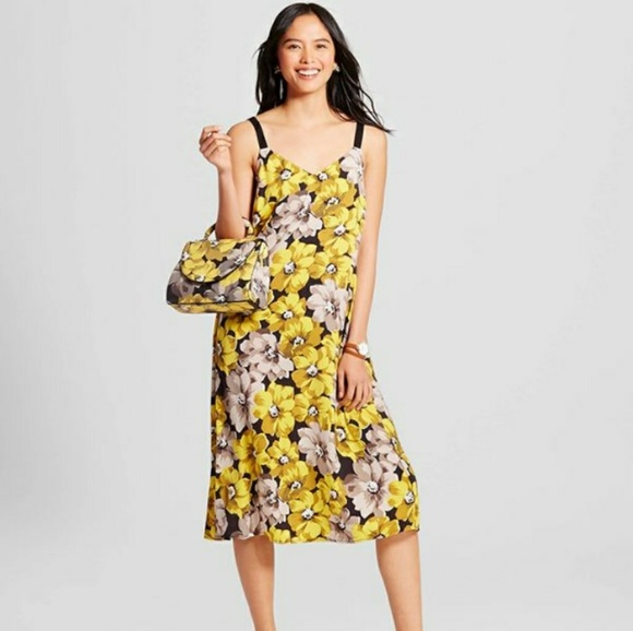 12400f71109d Yellow black floral flowy strap dress L🖤